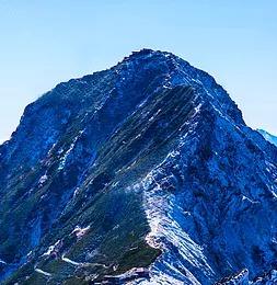 八ヶ岳の岩肌